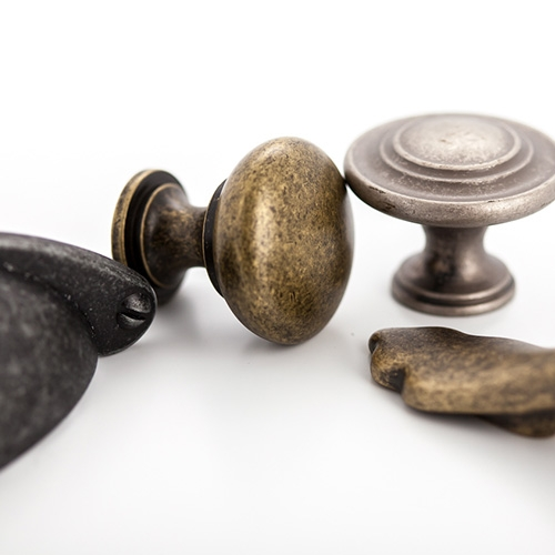 Castella Heritage Shaker Antique Brass 76mm Bow Handle