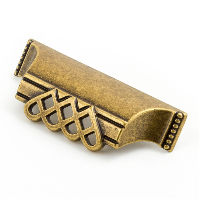 Castella Heritage Venetian Lattice Antique Brass 64mm Cup Pull