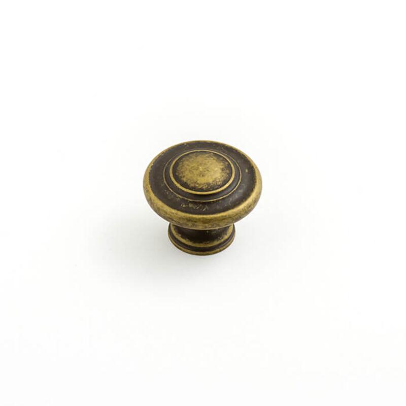 Castella Heritage Shaker Antique Brass 34mm Fluted Knob 56 034 003 1