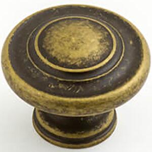 Castella Heritage Shaker Antique Brass 34mm Fluted Knob 56 034 003
