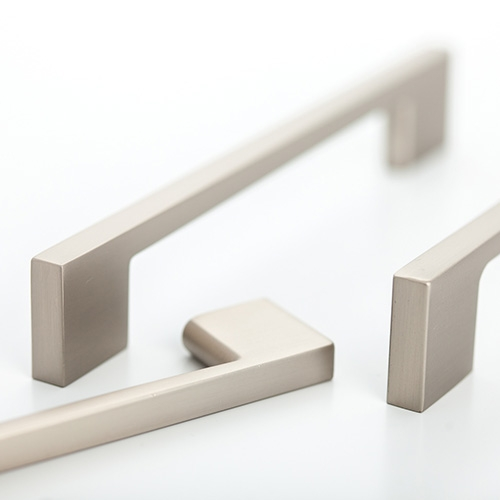2929 Castella Linear Cleat Brushed Nickel 96mm D Pull Handle