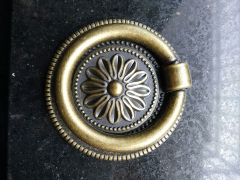 Small Town Collection Bronze Sunflower 54mm Swivel Round Ring Drop Pull