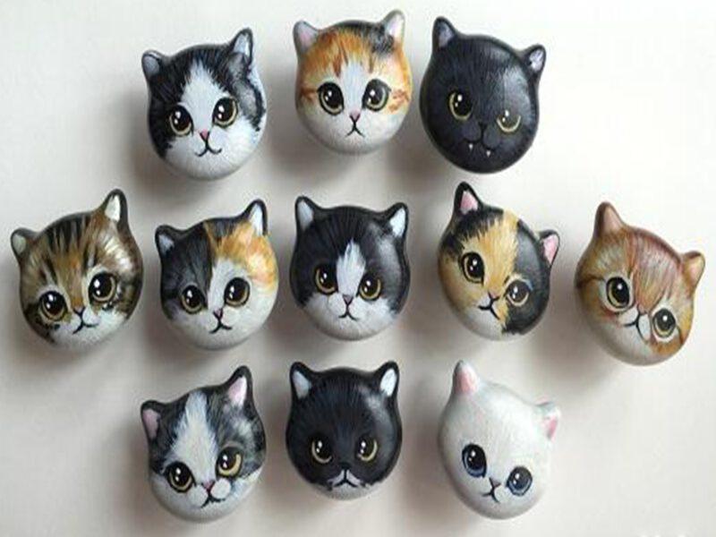 4128 Custom Hand Painted Ceramic 42mm Kitten Face Knob