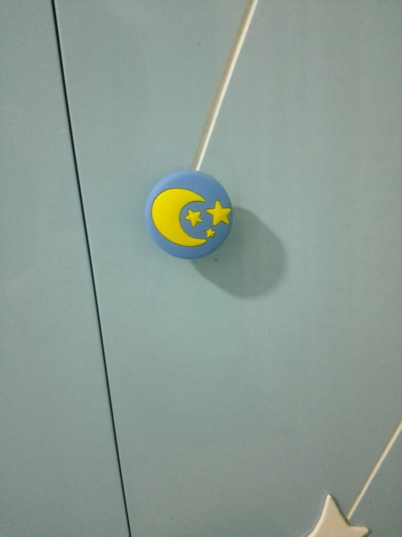 4349 Yellow Moon And Stars On Blue Background 40mm Round Soft Rubber Knob
