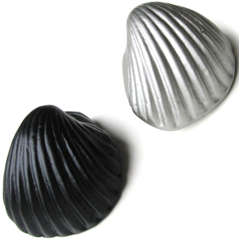 5312 Coquille Antique Shell Matte Black 49mm Cup Pull Knob
